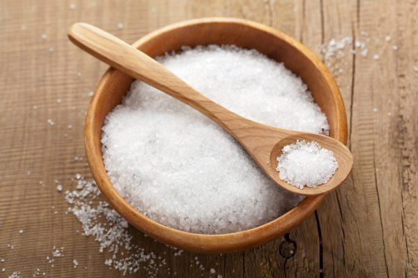 Tác hại của việc ăn nhiều muối bạn cần biết