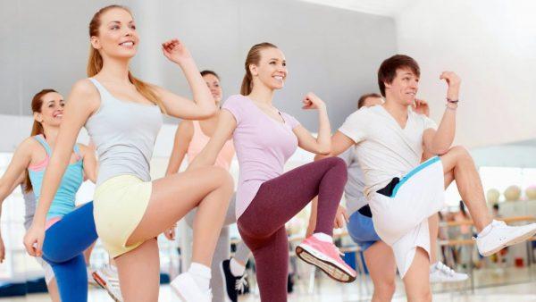 Tập thể dục buổi tối có giảm cân không?